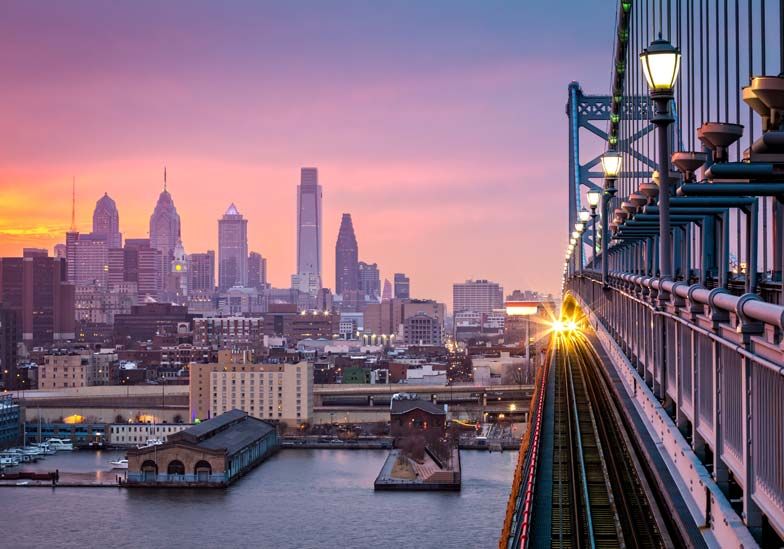 bridge in downtown philadelphia