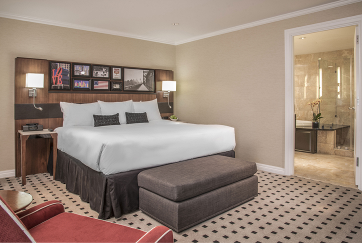 luxurious warwick presidential suite bedroom